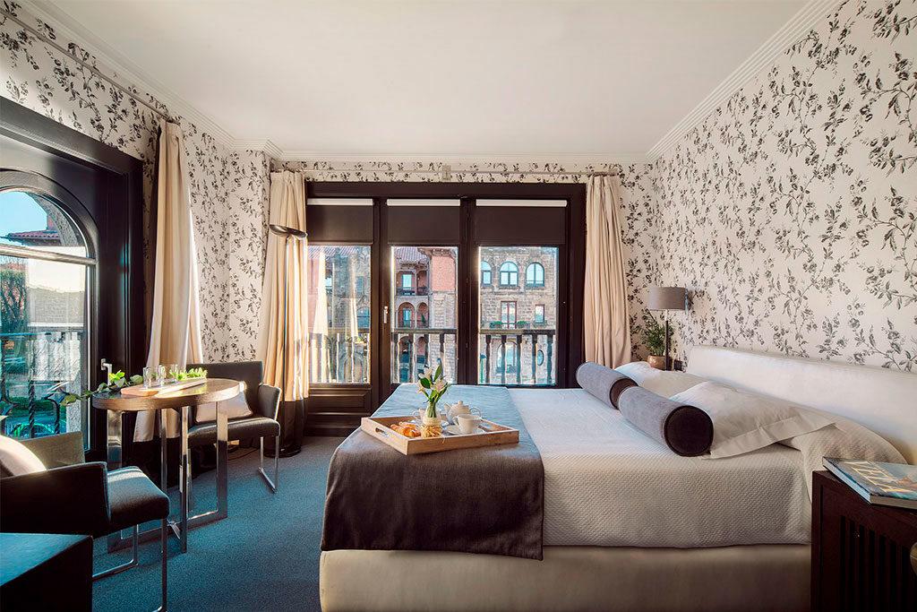 Habitación hotel costa vasca
